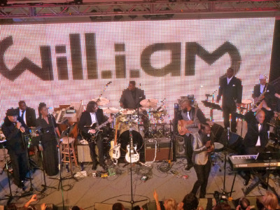 Will.I.Am. performs with Onree Gill at Green Inaugural Ball